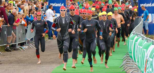 Over Sporteiland: Start van de Tri-Ambla