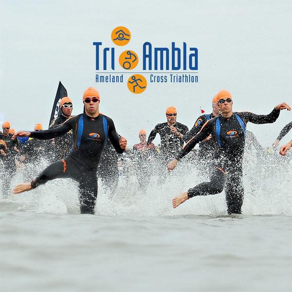 Tri-Ambla: Foto van startende tri-atleten